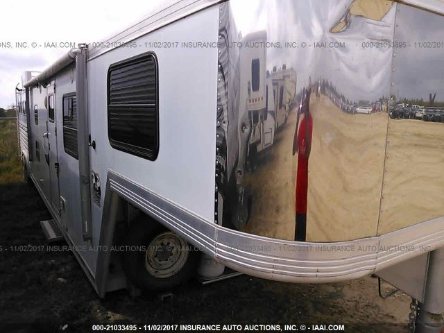 click here to view 2003 CM HORSE TRAILER at IBIDSAFELY
