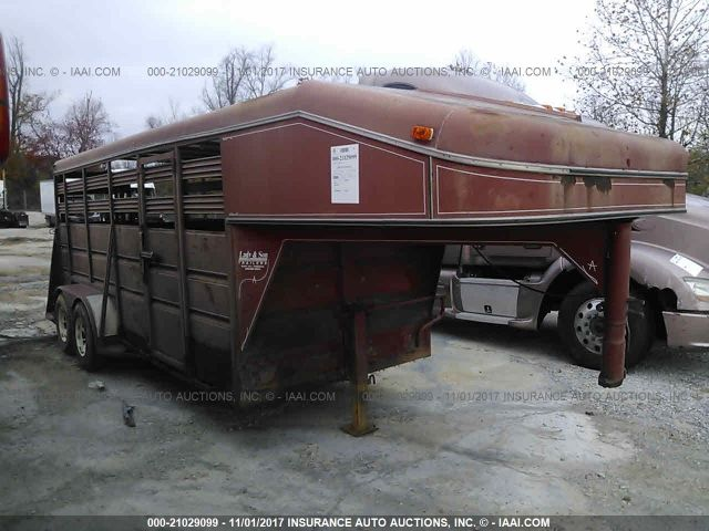 click here to view 1993 ADAM LIVESTOCK TRAILER at IBIDSAFELY