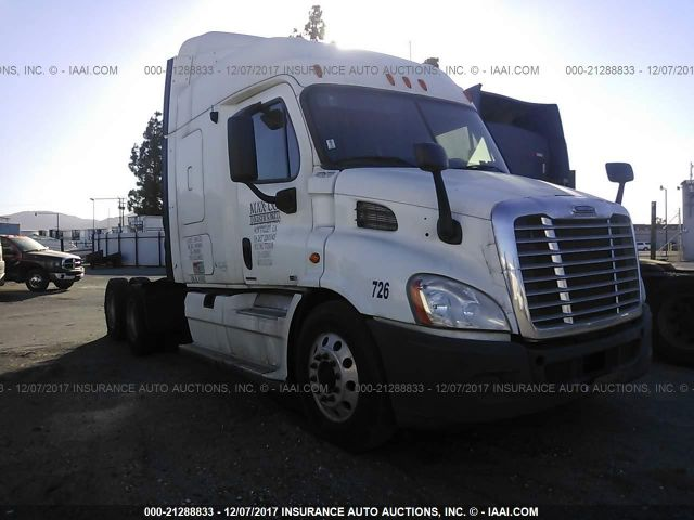 click here to view 2010 FREIGHTLINER CASCADIA 113 at IBIDSAFELY