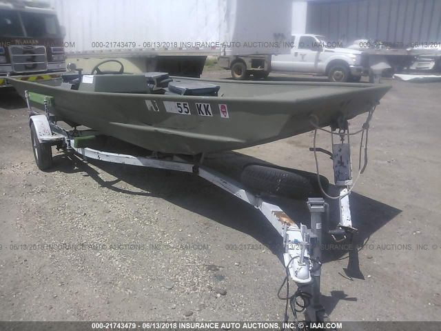 click here to view 2004 LOWE ALUMINUM BOAT at IBIDSAFELY