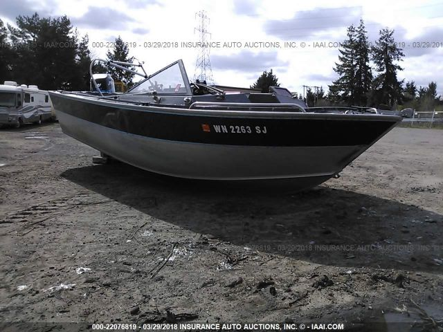 click here to view 1988 ALUMA-WELD BOAT AND TRAILER at IBIDSAFELY