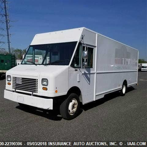 click here to view 2010 WORKHORSE CUSTOM CHASSIS W62 STEPVAN at IBIDSAFELY