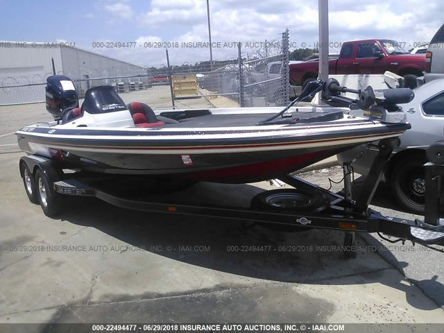 click here to view 2004 SKEETER ZX225 at IBIDSAFELY