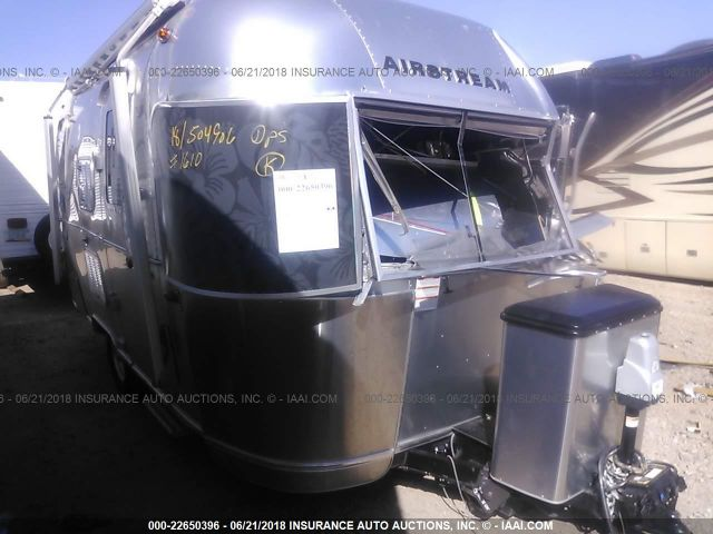 click here to view 2018 AIRSTREAM TOMMY BAHA at IBIDSAFELY