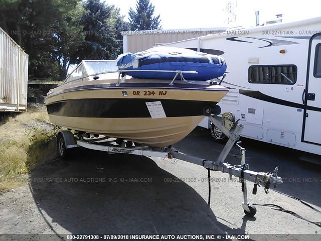 click here to view 1985 SUNRUNNER 17 1/2FT at IBIDSAFELY