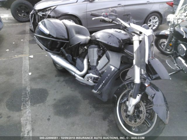 VICTORY MOTORCYCLES CROSS ROADS