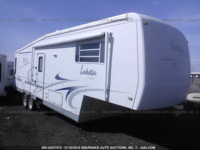 click here to view 2001 MCKENZIE LAKOTA 33SKT at IBIDSAFELY