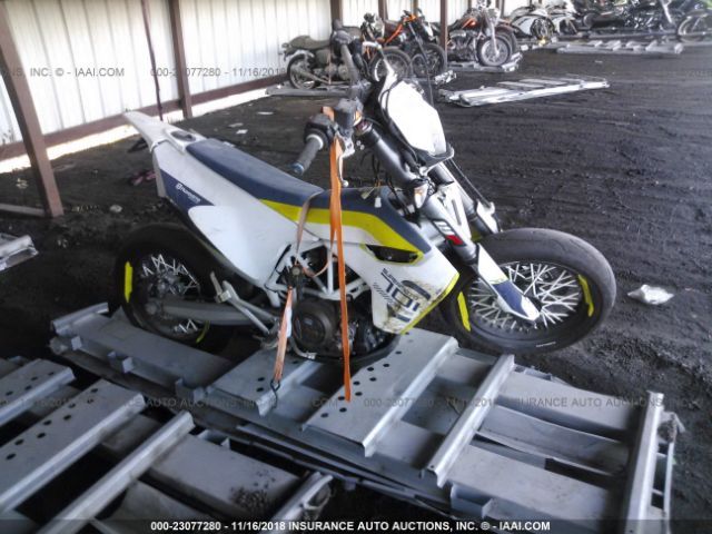click here to view 2017 HUSQVARNA SUPERMOTO 701 at IBIDSAFELY