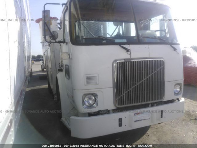 click here to view 1992 WHITE/GMC XPEDITOR at IBIDSAFELY