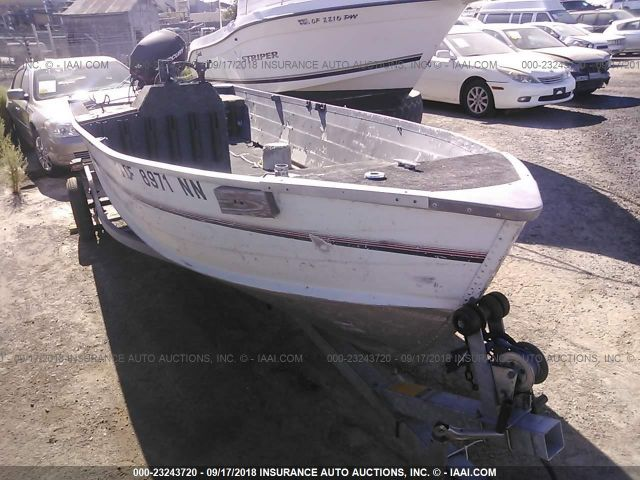 click here to view 1993 ESCORT BOAT TRAILER at IBIDSAFELY