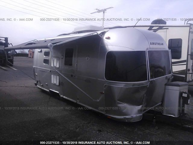 click here to view 2010 AIRSTREAM FLYING CLOUD at IBIDSAFELY