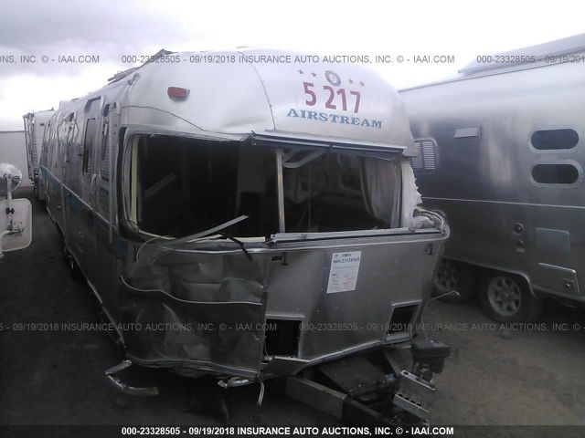 click here to view 1999 AIRSTREAM EXCELLA at IBIDSAFELY
