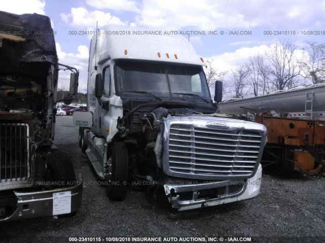click here to view 2012 FREIGHTLINER CASCADIA 125 at IBIDSAFELY