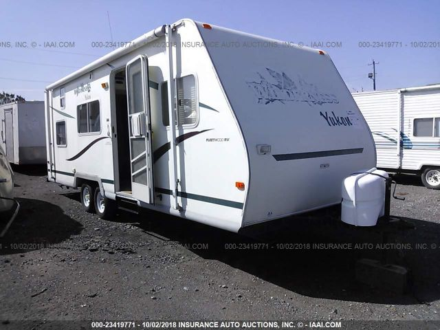 click here to view 2002 FLEETWOOD CAMPER at IBIDSAFELY