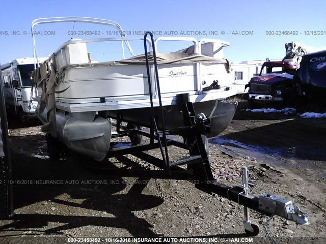 click here to view 2004 SUNTRACKER PONTOON at IBIDSAFELY
