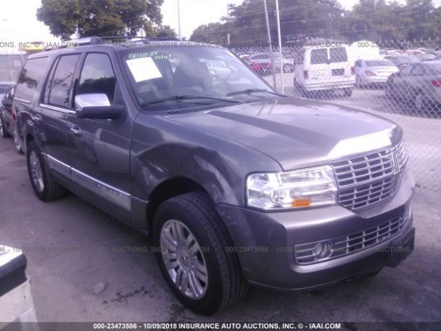 click here to view 2013 LINCOLN NAVIGATOR at IBIDSAFELY