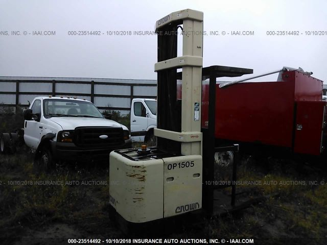 click here to view 2003 CROWN FORKLIFT at IBIDSAFELY