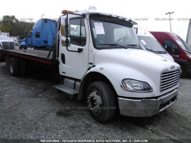 click here to view 2005 FREIGHTLINER M2 at IBIDSAFELY