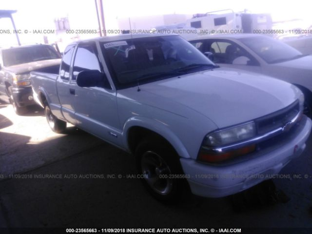 click here to view 2001 CHEVROLET S TRUCK at IBIDSAFELY