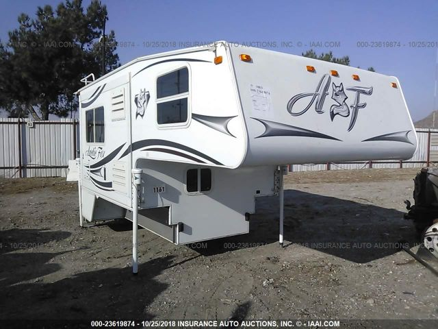 click here to view 2014 ARCTIC FOX MODEL 811 at IBIDSAFELY