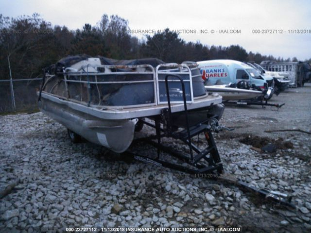 2016 BENNINGTON PONTOON AND TRAILER - Small image. Stock# 23727112