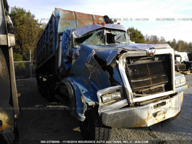 click here to view 2003 WESTERN STAR/AUTO CAR 4900FA at IBIDSAFELY
