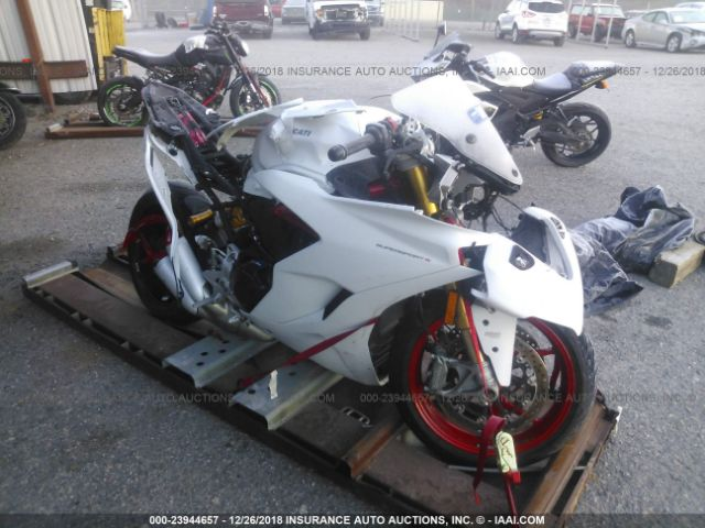 click here to view 2017 DUCATI SUPERSPORT at IBIDSAFELY