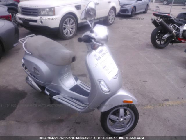 click here to view 2009 Vespa LX at IBIDSAFELY
