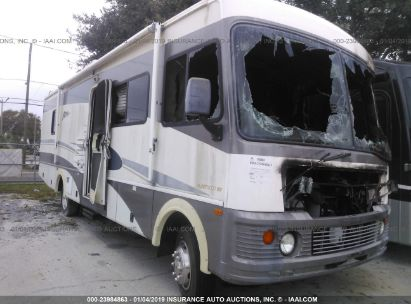 Salvage 2003 WORKHORSE CUSTOM CHASSIS MOTORHOME CHASSIS for sale