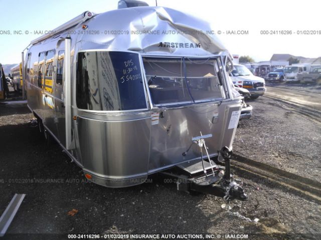 click here to view 2018 AIRSTREAM SIGNATURE at IBIDSAFELY