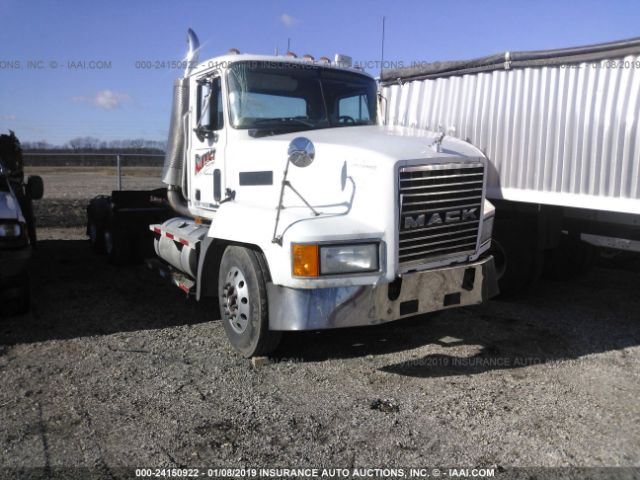 click here to view 2002 MACK 600 at IBIDSAFELY