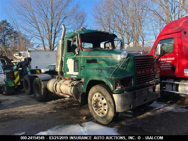 click here to view 2007 MACK CHN613 at IBIDSAFELY