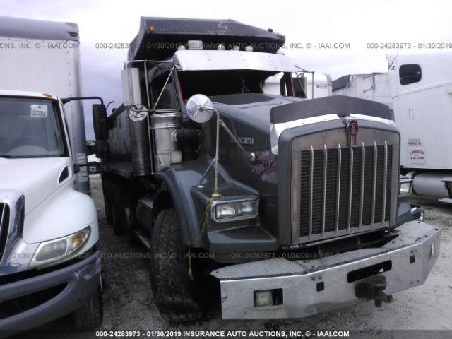 click here to view 2001 KENWORTH T800 at IBIDSAFELY