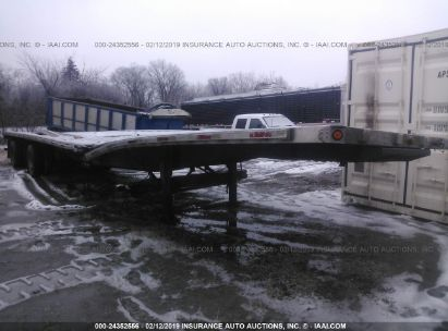 Salvage 2005 UTILITY TRAILER MFG FLATBED for sale