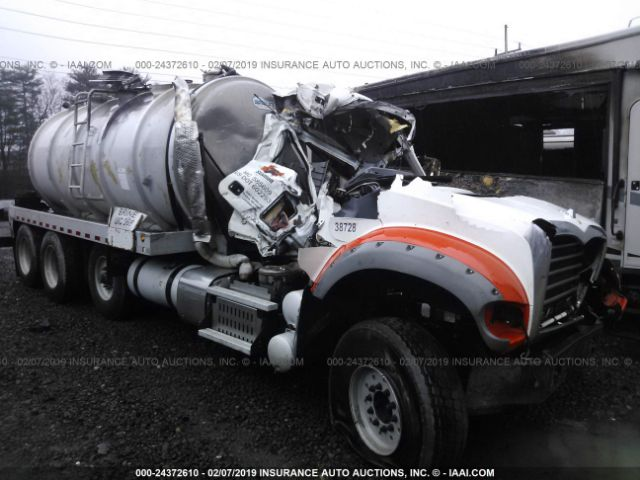 click here to view 2013 MACK 700 at IBIDSAFELY