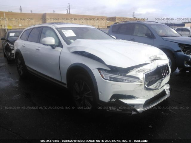 click here to view 2017 Volvo V90 Cross Country at IBIDSAFELY