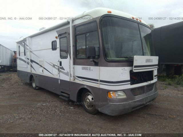 click here to view 2004 WORKHORSE CUSTOM CHASSIS  at IBIDSAFELY