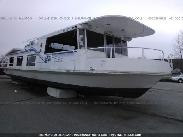click here to view 1973 KINGSCRAFT HOUSEBOAT at IBIDSAFELY
