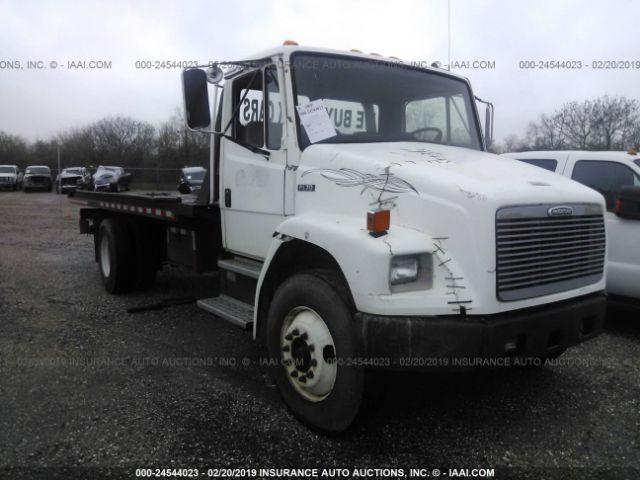 click here to view 2002 FREIGHTLINER MEDIUM CONVENTION at IBIDSAFELY