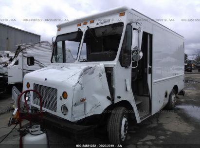Salvage 2004 FREIGHTLINER CHASSIS for sale