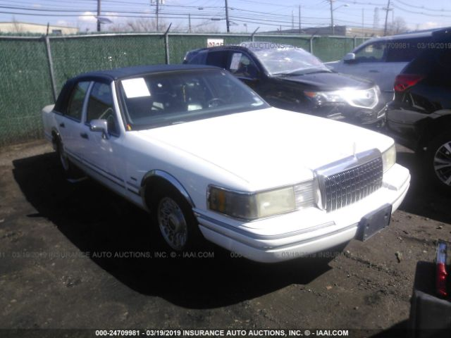 click here to view 1994 LINCOLN TOWN CAR at IBIDSAFELY