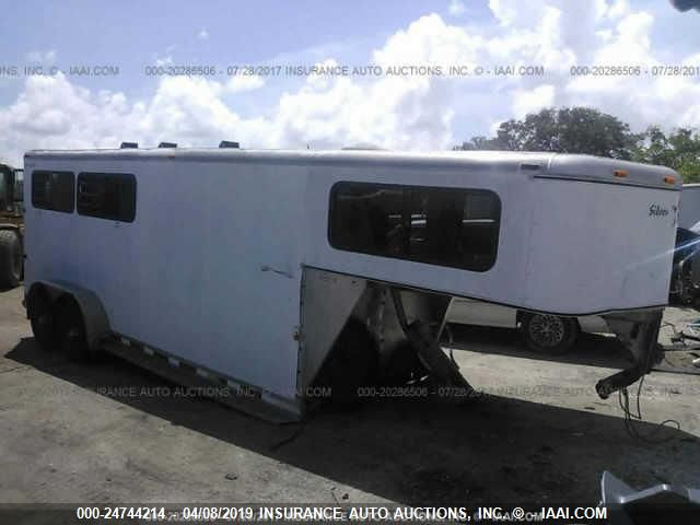 click here to view 2001 SILVER STAR HORSE TRAILER at IBIDSAFELY