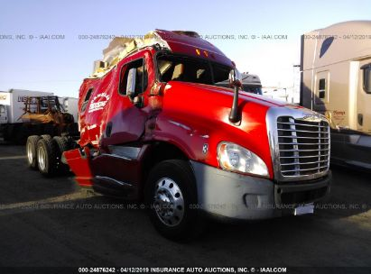 Salvage 2013 FREIGHTLINER CASCADIA 125 for sale