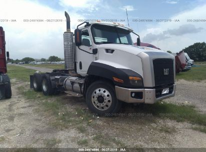 Salvage 2013 CATERPILLAR CT660 for sale