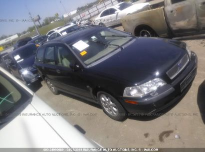 Salvage 2002 VOLVO V40 for sale