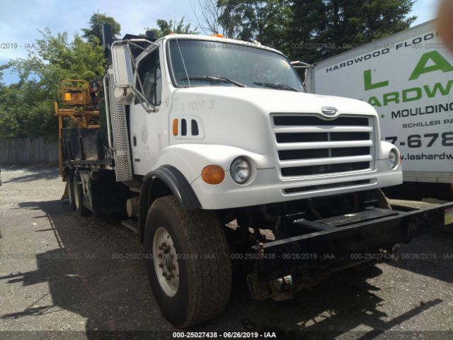 click here to view 2000 STERLING TRUCK LT at IBIDSAFELY