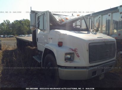 Salvage 1995 FREIGHTLINER MEDIUM CONVENTION for sale