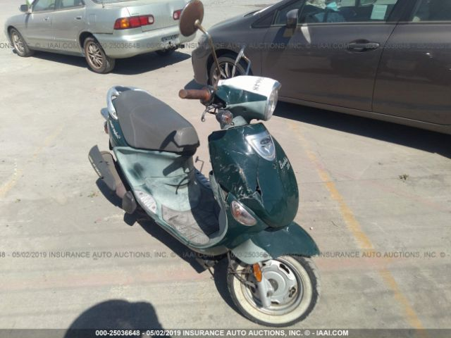 click here to view 2012 GENUINE SCOOTER CO. BUDDY at IBIDSAFELY