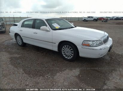 Salvage 2005 LINCOLN TOWN CAR for sale