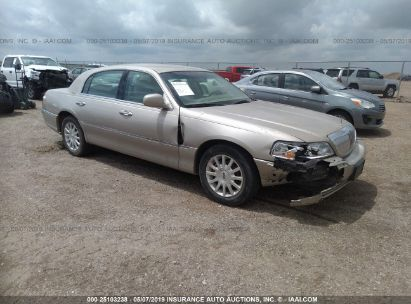 Salvage 2007 LINCOLN TOWN CAR for sale